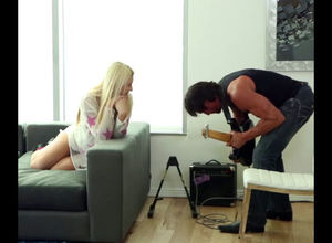Bodacious platinum-blonde gets drilled..