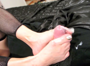 Super-steamy footjob and mighty jizz..