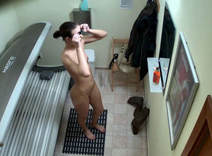 spy camera in solarium real lady real..
